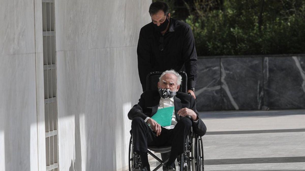 Άκης Τσοχατζόπουλος: Νοσηλεύεται στο Λαϊκό