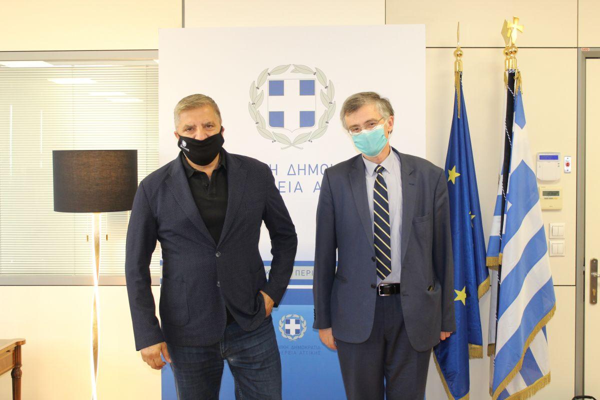 ΙΣΑ: Ο πρόεδρος του Ιατρικού Συλλόγου σε παλιότερη φωτογραφία του με τον Σωτήρη Τσιόδρα