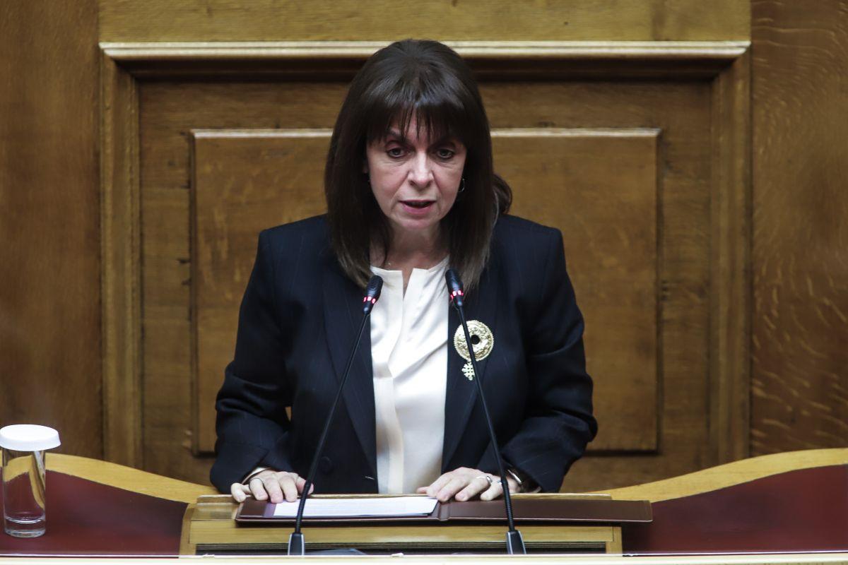 Η Κατερίνα Σακελλαροπούλου στη Βουλή