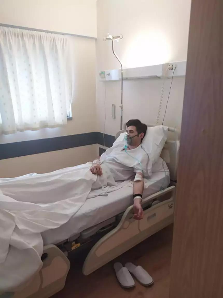 Ο Μένιος Φουρθιώτης στο νοσοκομείο