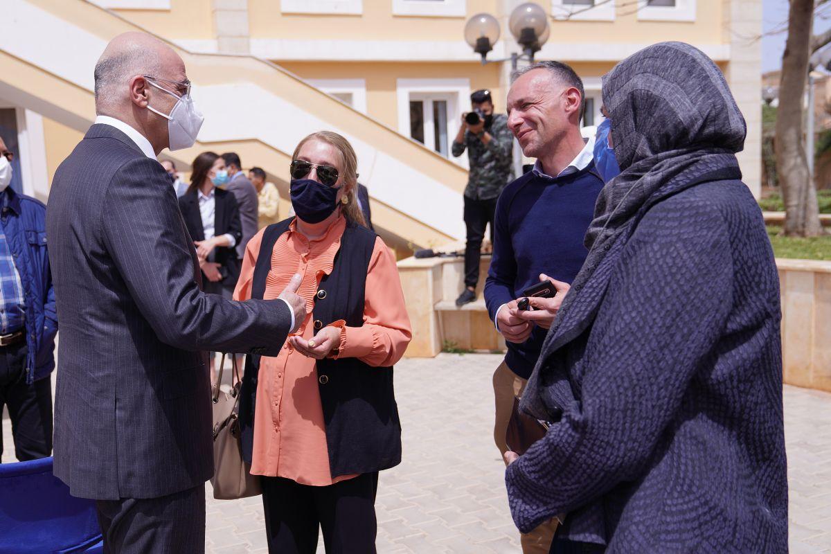 Νίκος Δένδιας από Λιβύη: Συναντήθηκε με ομογενείς στη Βεγγάζη