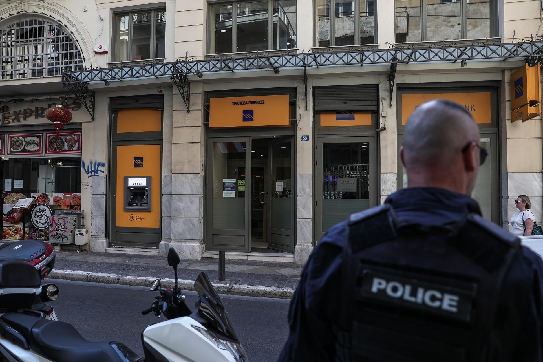 Ένοπλη ληστεία σε τράπεζα στο κέντρο της Αθήνας